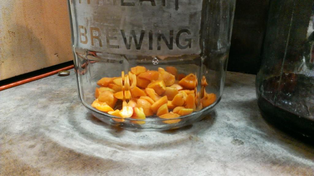 Fresh-cut Apricots